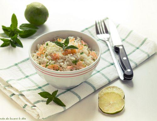 Insalata di riso con salmone lime e menta