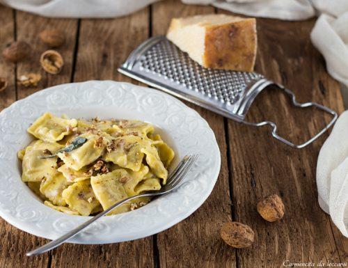 Tortelli con Castelmagno e noci