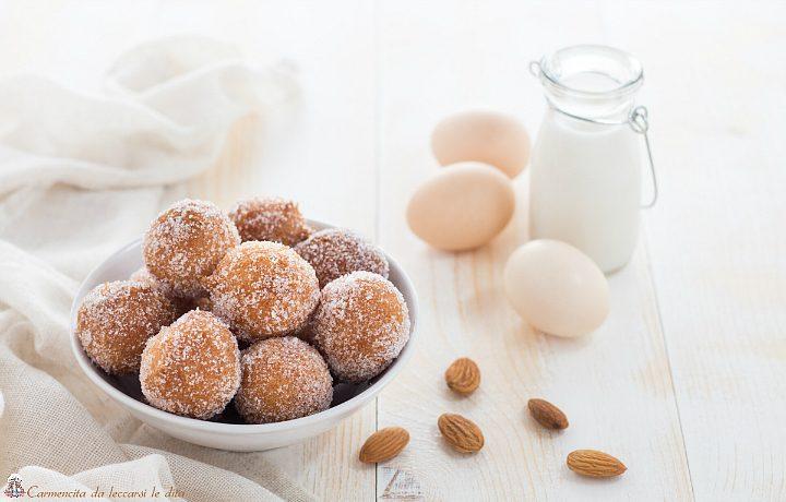 Frittelle dolci con latte di mandorla