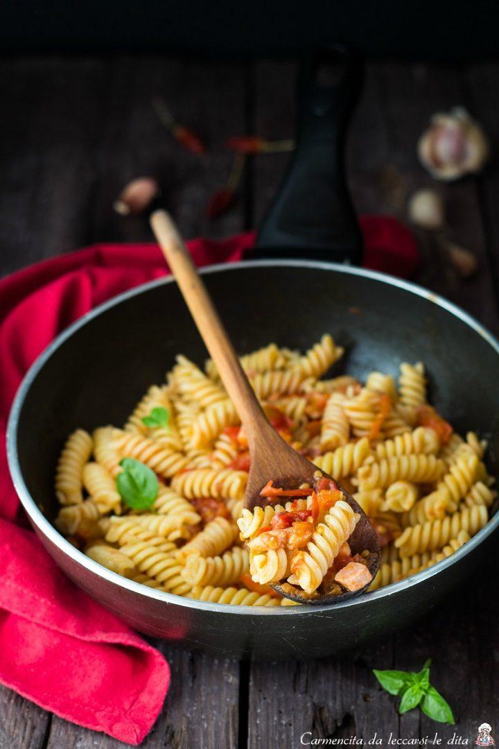 Pasta pomodorini e pancetta