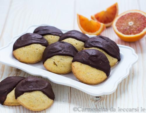 Biscotti ripieni arancia e cioccolato