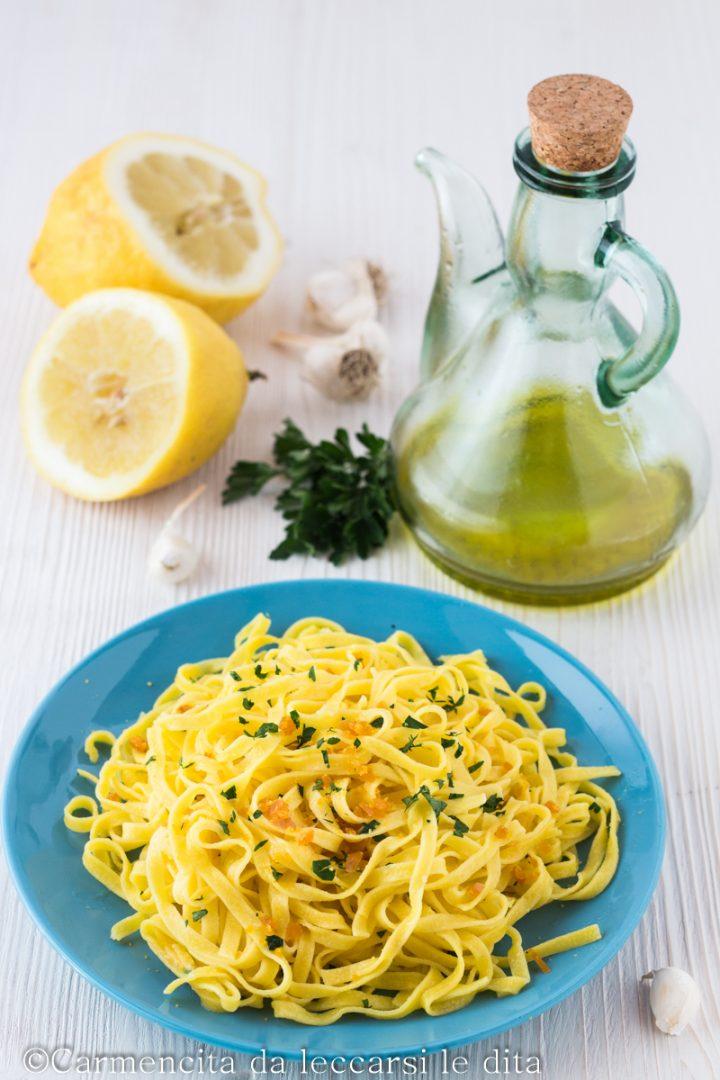 Tagliatelle con bottarga e limone
