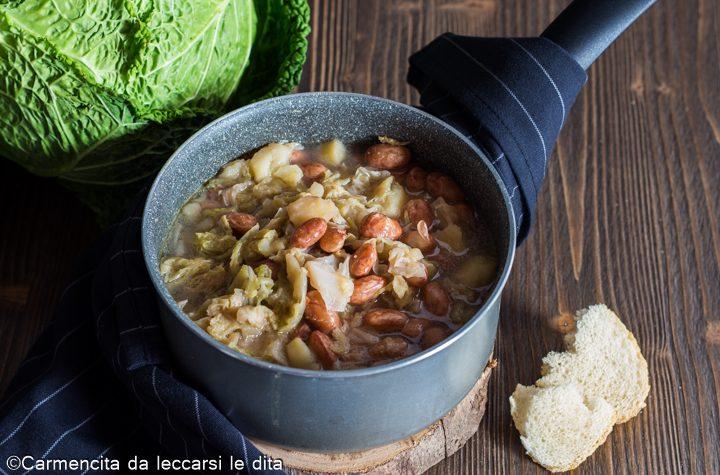Zuppa di verza con patate e fagioli borlotti