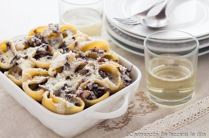 Conchiglioni al forno con radicchio e gorgonzola