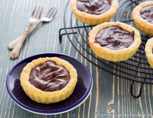 Crostatine con crema al cioccolato