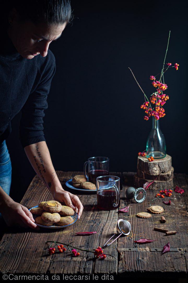 Biscotti di castagne ripieni