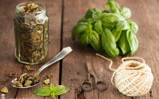 Come essiccare e conservare il basilico
