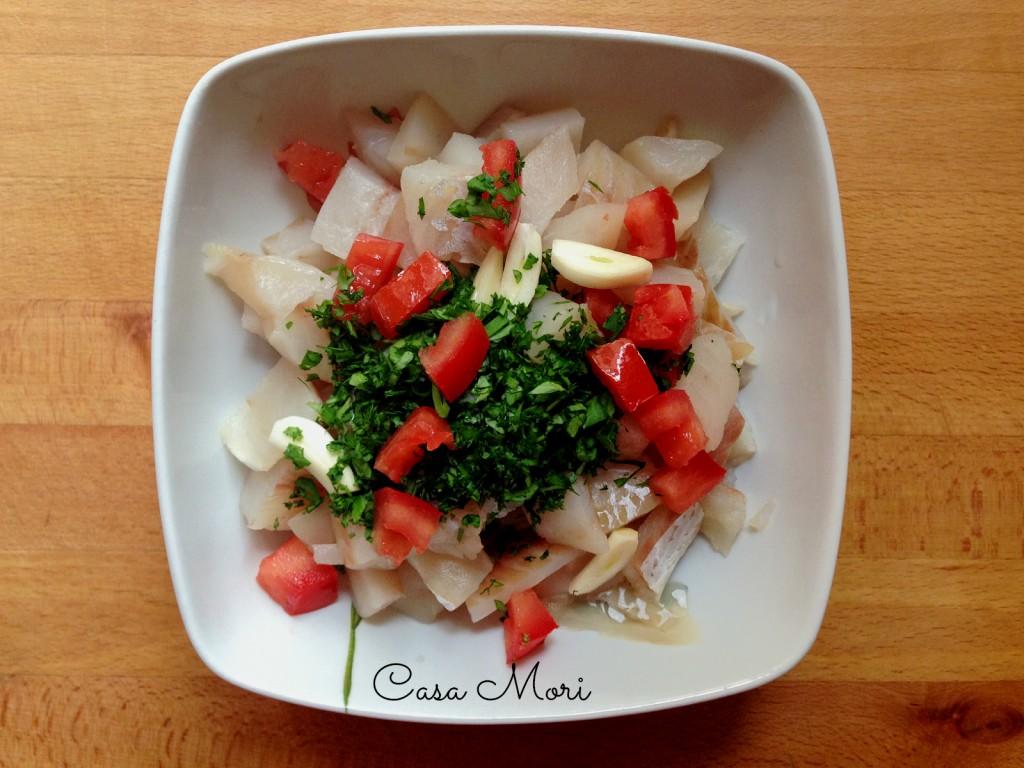 Merluzzo al cartoccio - merluzzo con pomodoro