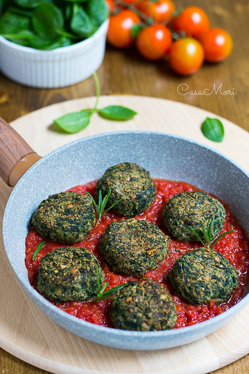 Polpette di lenticchie e spinaci al pomodoro e rosmarino
