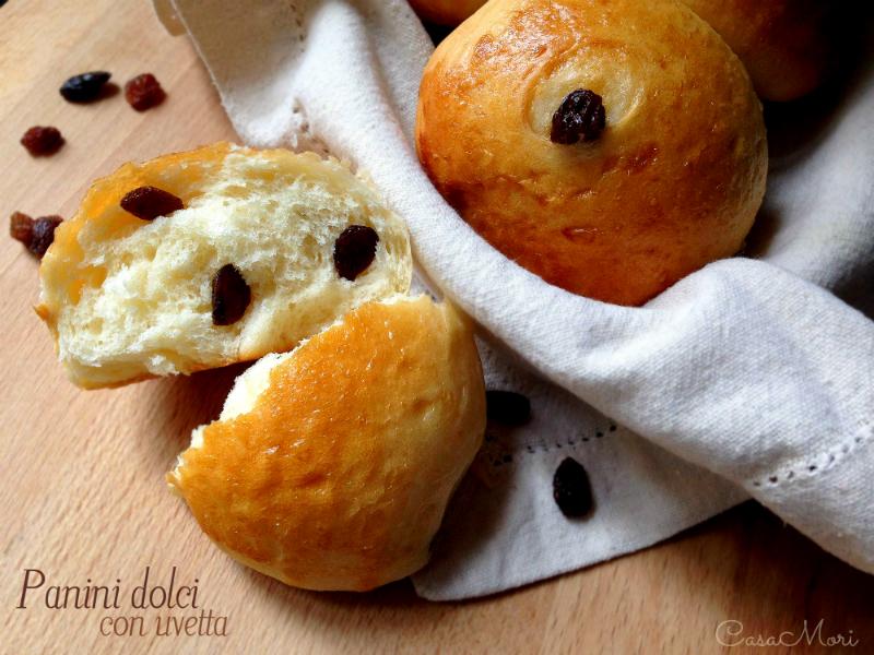Panini dolci con uvetta