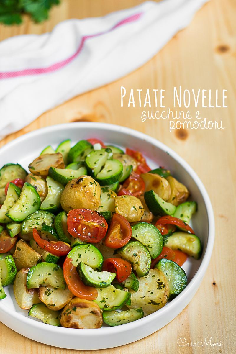 Patatine novelle al forno con zucchine e pomodorini
