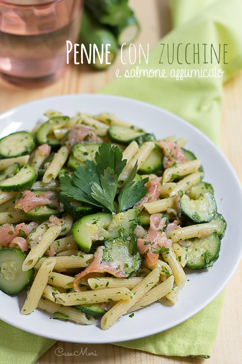 Penne con zucchine e salmone affumicato