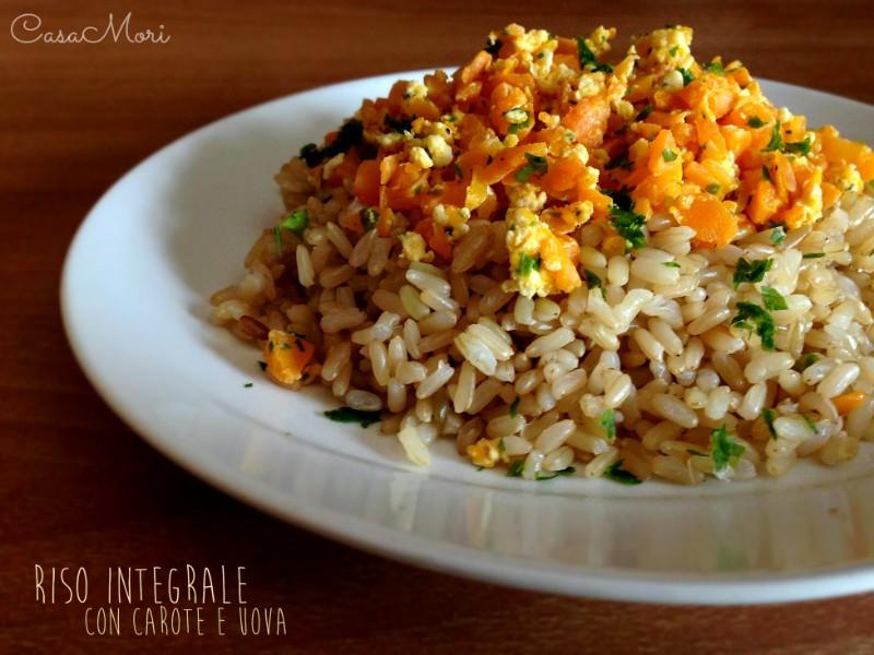 Riso integrale con carote e uova