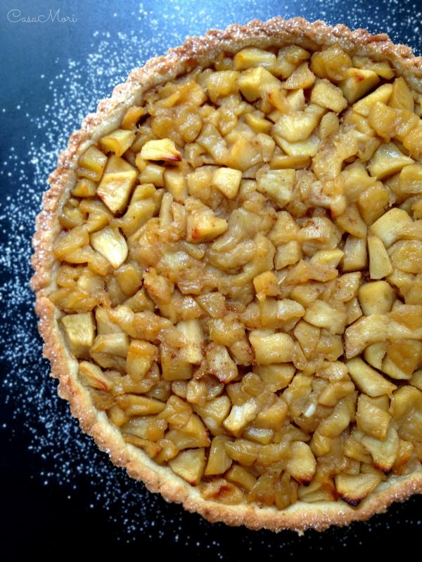 Crostata di mele con cannella e amaretti