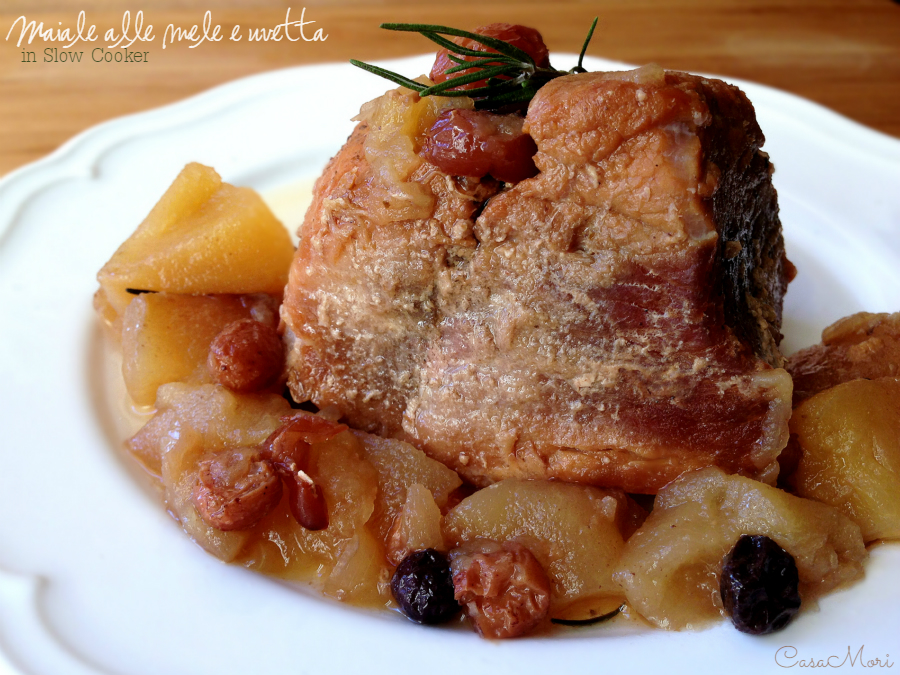 Maiale alle mele, uvetta e mirtilli in Slow Cooker