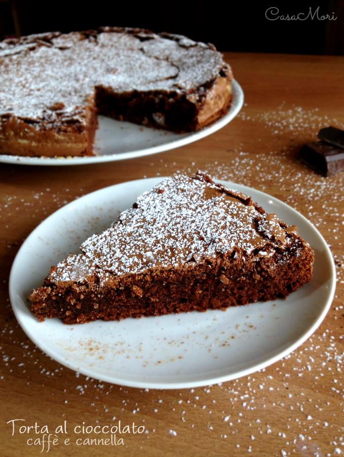 Torta al cioccolato, caffè e cannella