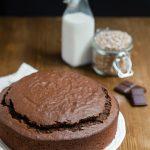 Dolce al cioccolato con farina integrale e farina di farro