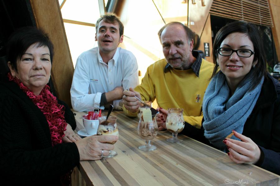 Papà, mamma e Robi con Boubou