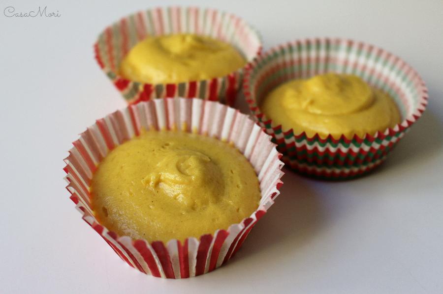 Impasto cupcakes di Natale con cannella, limone e Marsala