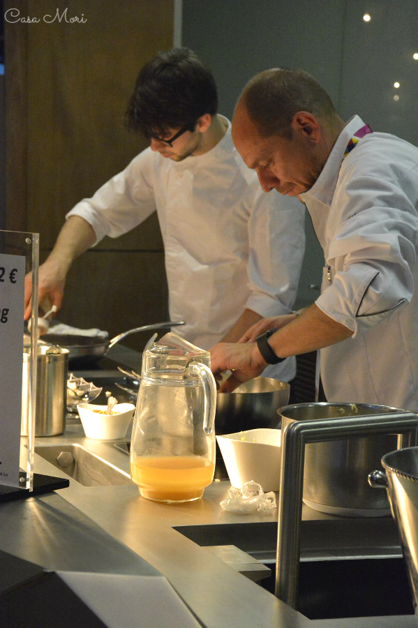 Olivier e Charly durante uno show cooking