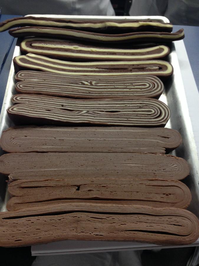 Pasta sfoglia con pastello al cacao