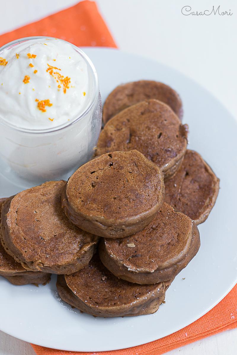 Pancakes di farina di castagne con ricotta all'arancia