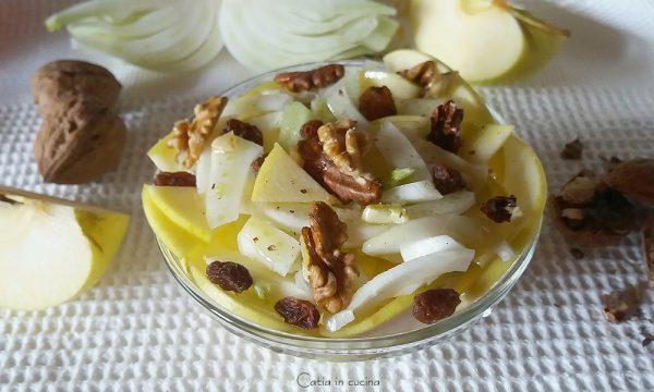 Insalata di finocchi con noci e uvetta (e mela)