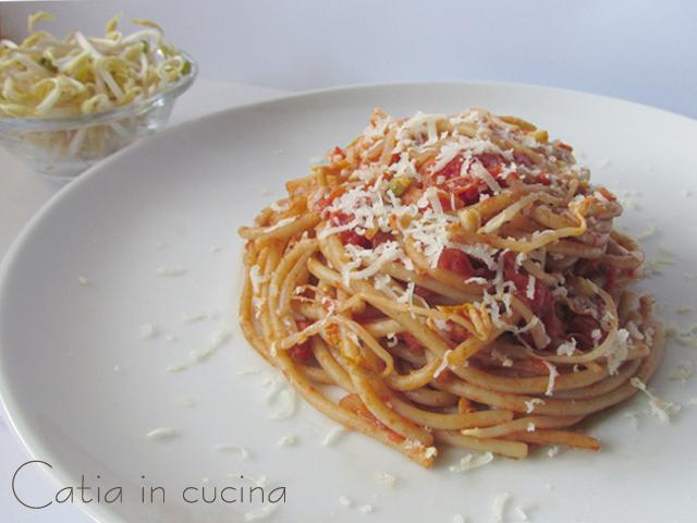 spaghetti integrali ai germogli