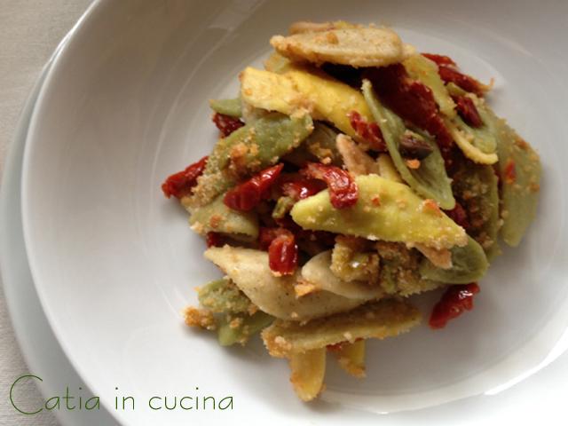 foglie d'ulivo ai pomodori secchi e pangrattato