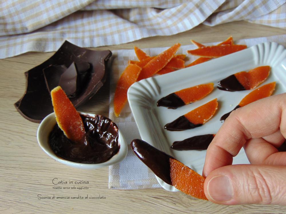 scorze di arancia candite ricoperte di cioccolato