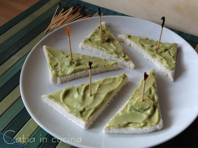 tartine alla crema di avocado