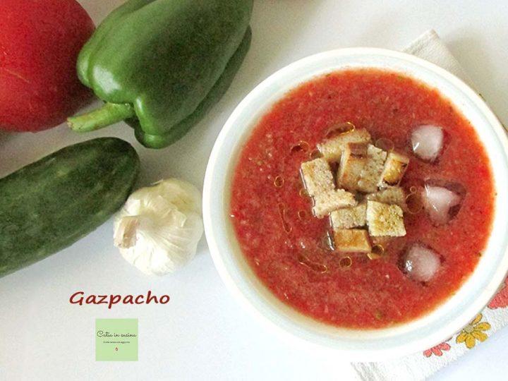 gazpacho con crostini