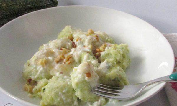 Gnocchi di zucchine con crema di formaggio
