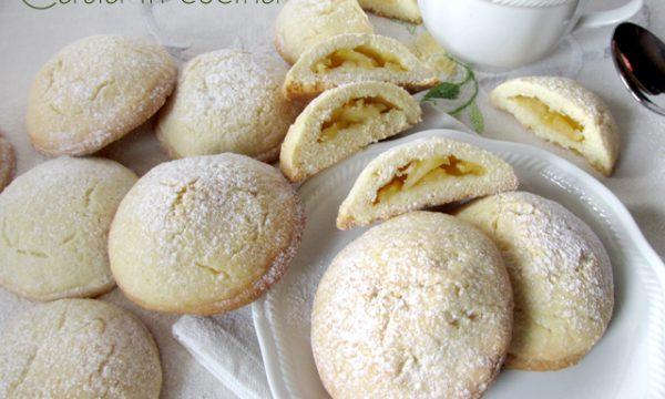 Biscotti ripieni alla mela