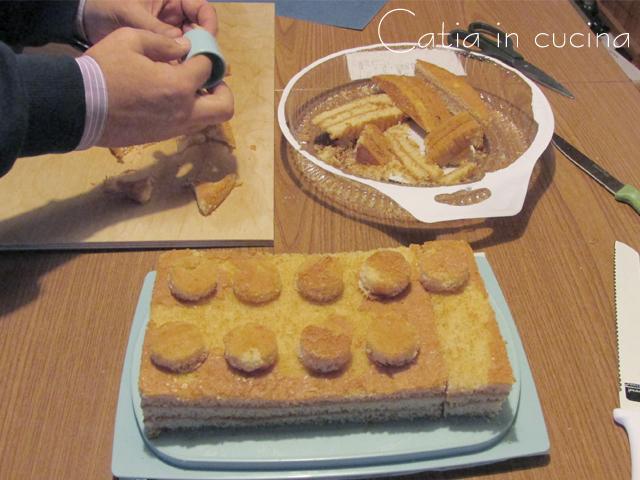 Torta a forma di mattoncino lego catia in cucina for Isola cucina a forma di torta