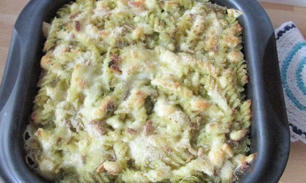 Pasta al pesto gratinata