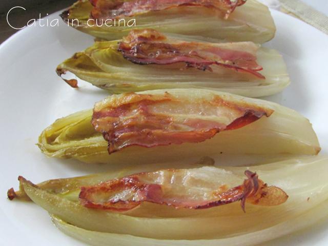 Indivia belga con pancetta affumicata