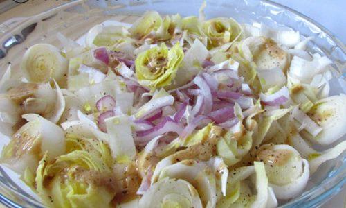 Insalata di belga con vinaigrette alla senape
