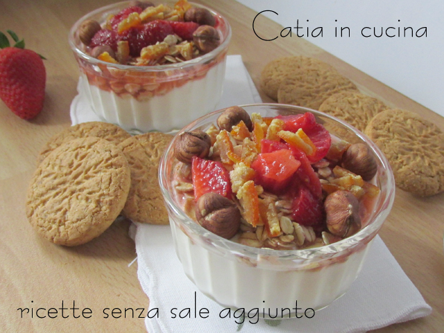 Yogurt con fragole e nocciole catia in cucina for Fragole periodo