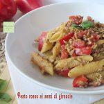 Pasta al pesto rosso con semi di girasole