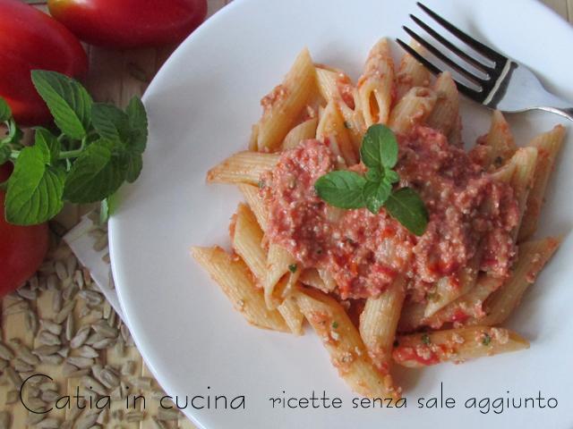Ben noto Pasta al pesto rosso con semi di girasole   Catia in cucina HH46