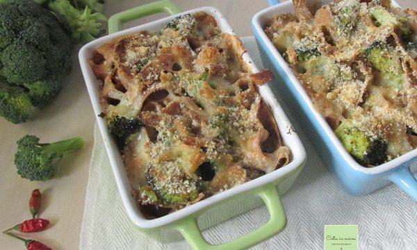 Pasta di farro con broccoli e taleggio DOP