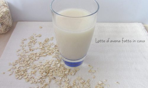 Latte d'avena fatto in casa