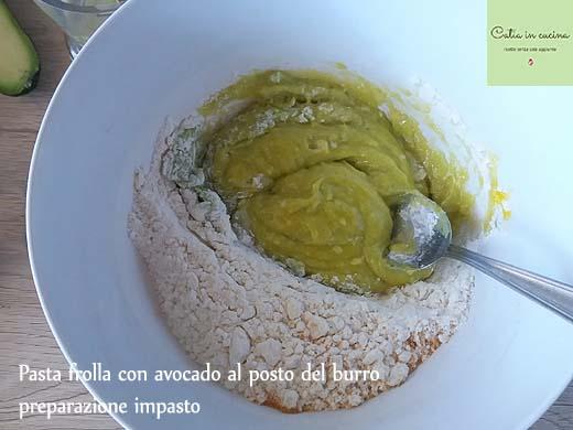 pasta frolla all'avocado-impasto