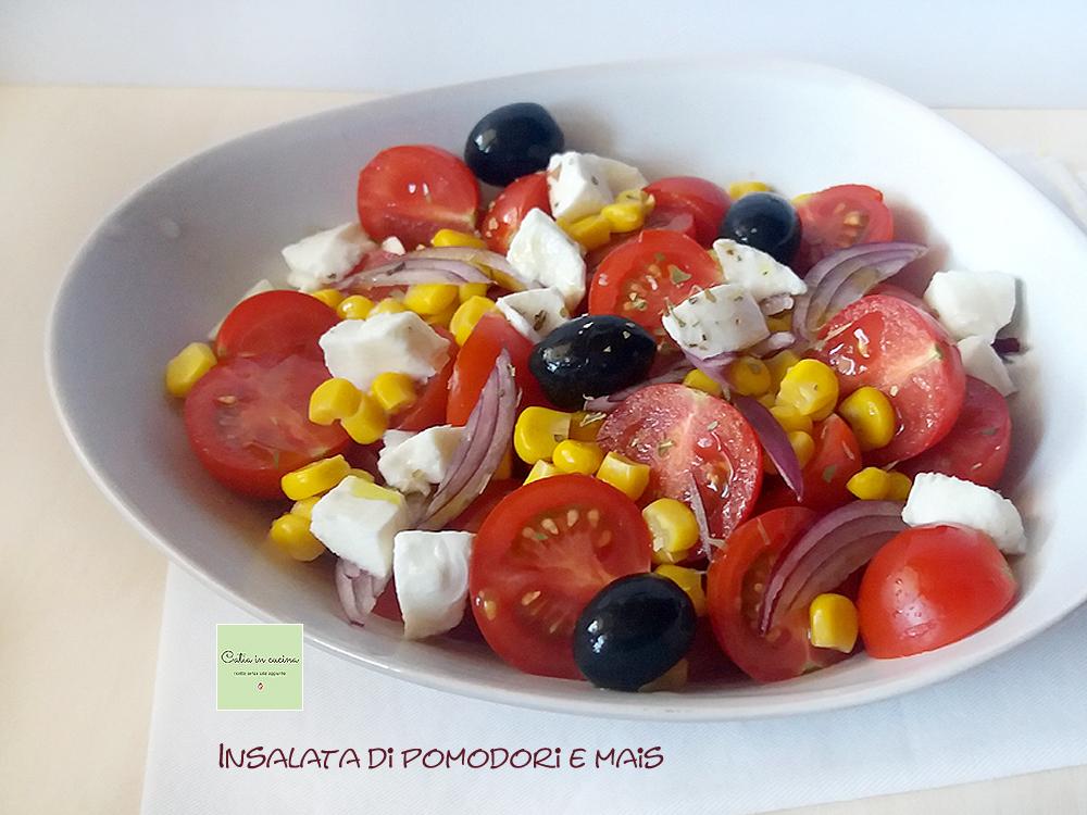 insalata di pomodori e mais