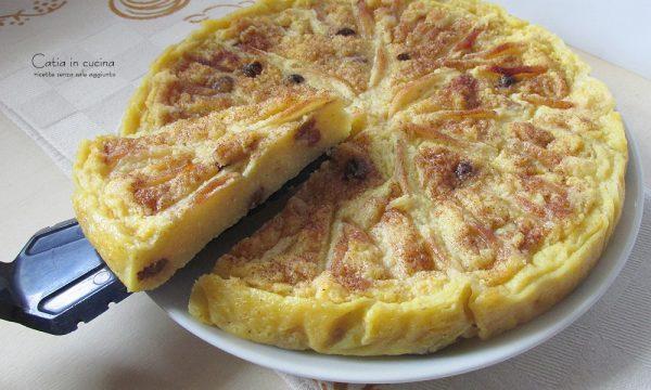Torta di polenta con mele e uvetta