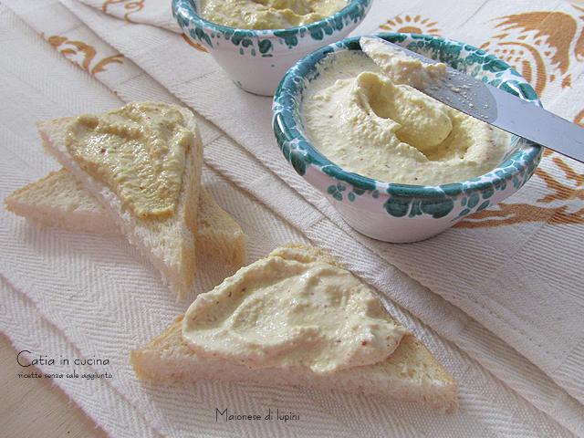 tartine con maionese di lupini