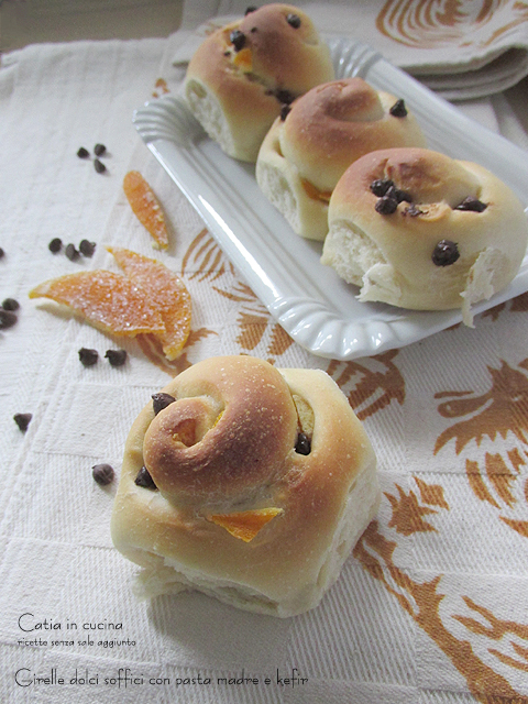 girelle dolci soffici con pasta madre e kefir