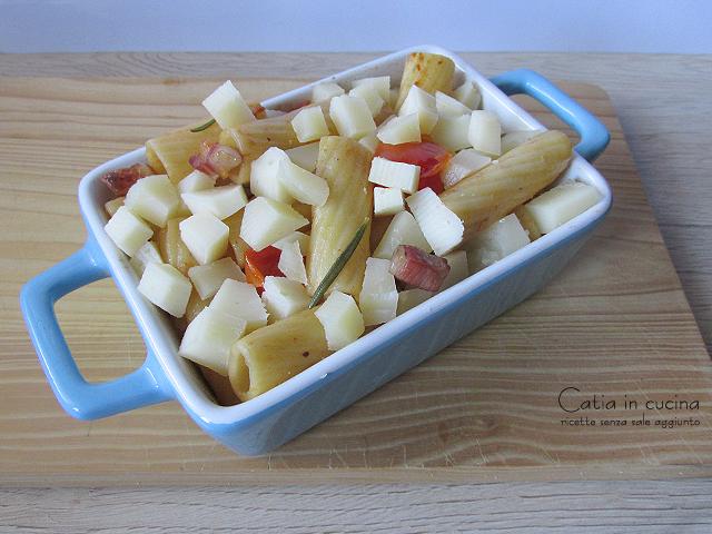 pasta al forno con pancetta e formaggio da infornare