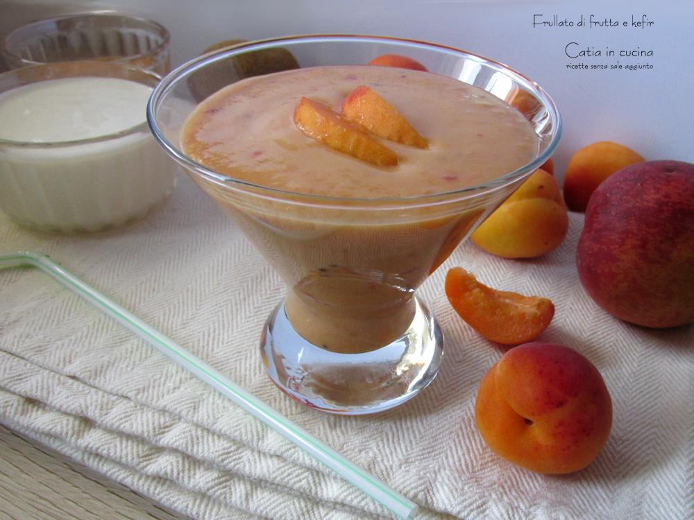 Frullato di frutta e kefir